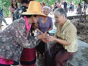 300px-Songkran_in_Wat_Kungthapao_03.jpg